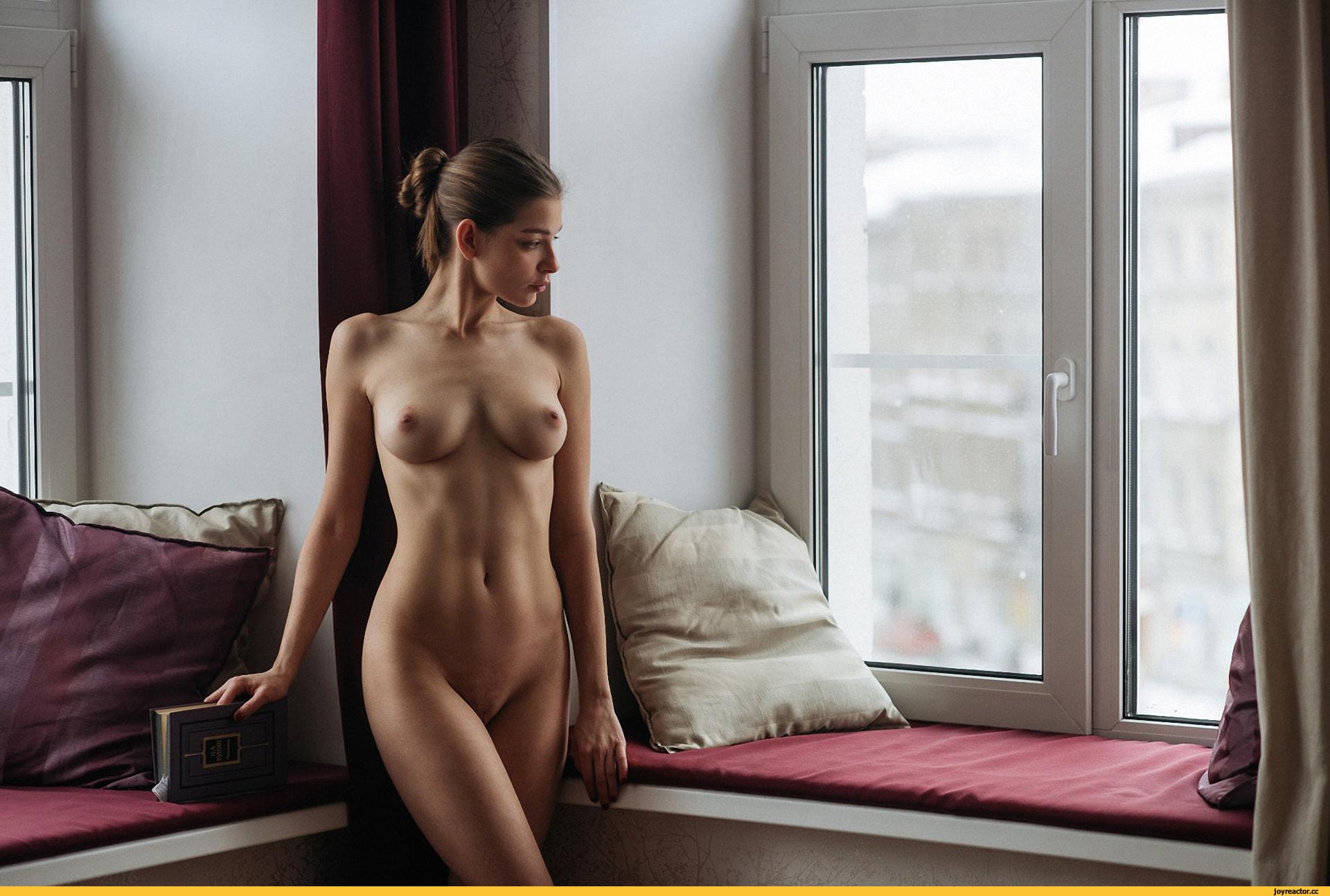 Девушки раздеваются  красивые раздетые девушки без одежды